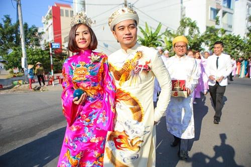 Ông xã Vân Trang đưa dàn siêu xe đi rước dâu-4