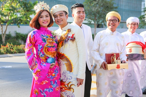 Ông xã Vân Trang đưa dàn siêu xe đi rước dâu-8
