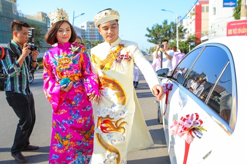 Ông xã Vân Trang đưa dàn siêu xe đi rước dâu-9