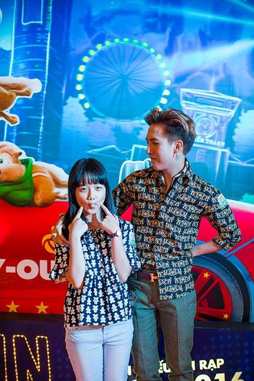 Hàn Khởi thân thiết bên bé Thanh Mỹ dự họp báo phim-6