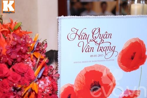 Vân Trang đắm đuối hôn chồng thiếu gia trong tiệc cưới-56