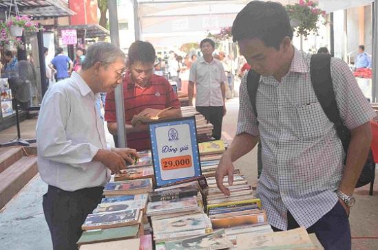 Đường sách đầu tiên Việt Nam được khánh thành-4