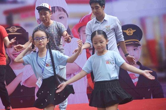 Đường sách đầu tiên Việt Nam được khánh thành-14
