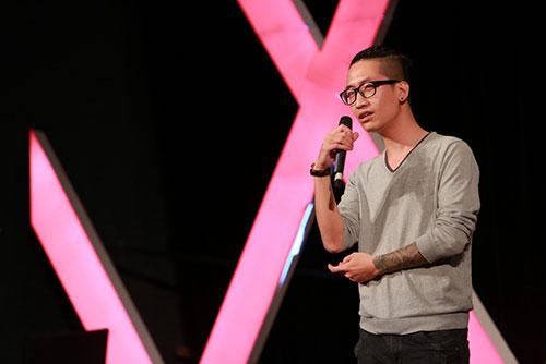 Phạm Hương khóc khi nghĩ về cuộc thi HHHV-5