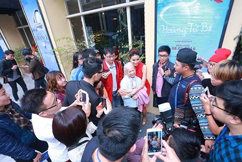 Phạm Hương khóc khi nghĩ về cuộc thi HHHV-15