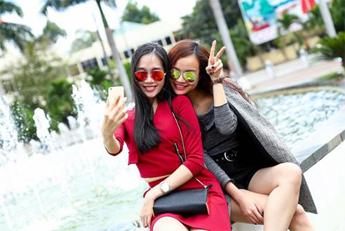 kieu ngan - thu an khoe dang chuan tren pho - 6