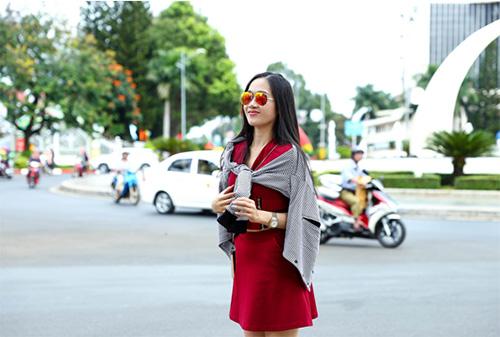 kieu ngan - thu an khoe dang chuan tren pho - 2