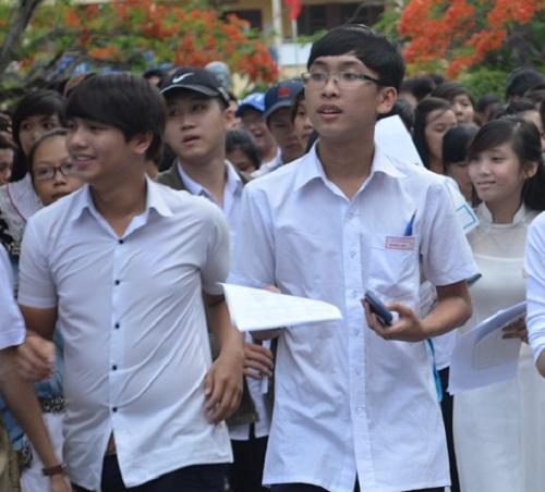 """tp hcm: xét học bỏng """"nhát nghẹ tinh"""" nam 2016 - 1"""