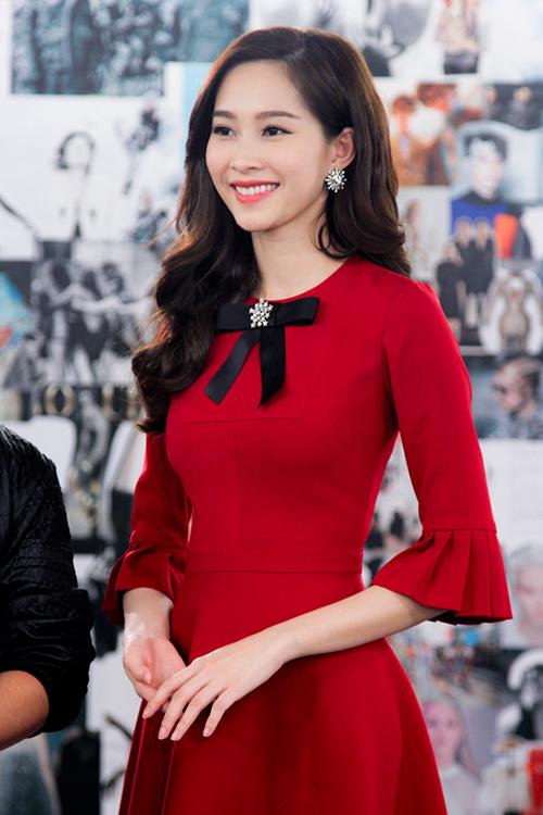 Tập 4 Project Runway: Hoa hậu Thu Thảo