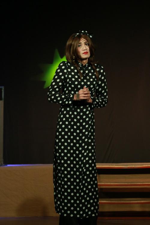 """Trịnh Kim Chi mời """"bản sao Ngọc Quyên"""" đóng kịch chuyển giới-2"""