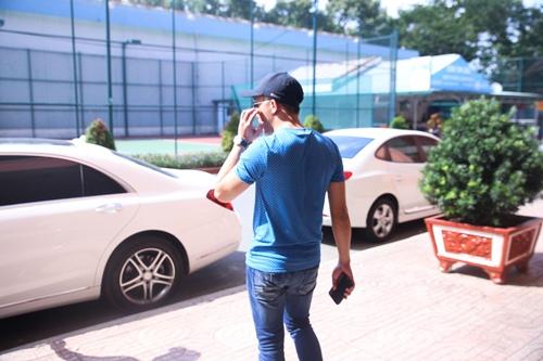 mc tran thanh ngoi xe sang di tong duyet chuong trinh - 4