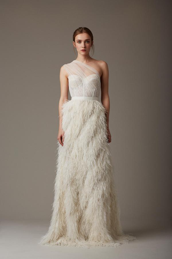 Tiết lộ 10 kiểu váy cưới chàng rể nào cũng mê-1