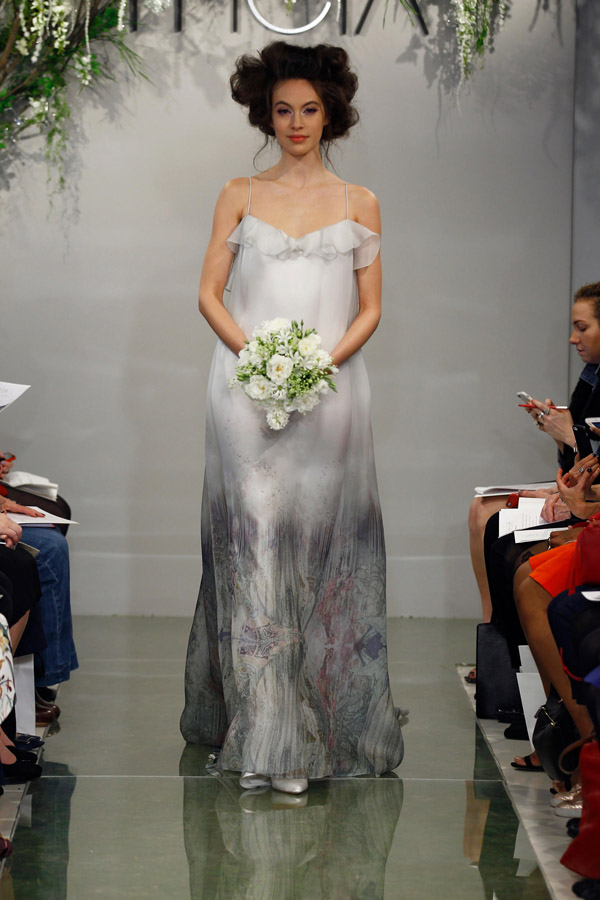 Tiết lộ 10 kiểu váy cưới chàng rể nào cũng mê-5