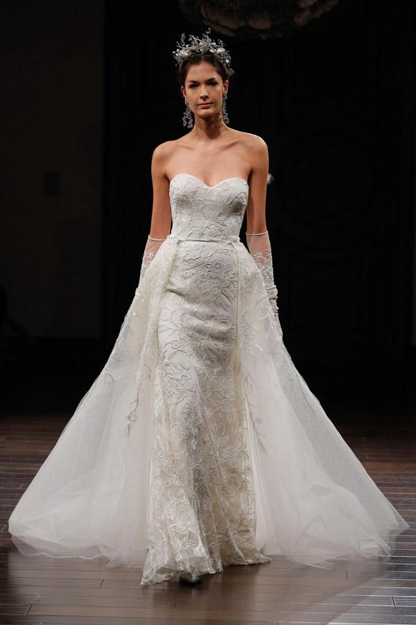Tiết lộ 10 kiểu váy cưới chàng rể nào cũng mê-3