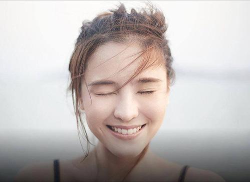 "aom sushar manaying - my nhan ""chan ngan"" tai nang xu chua vang - 1"