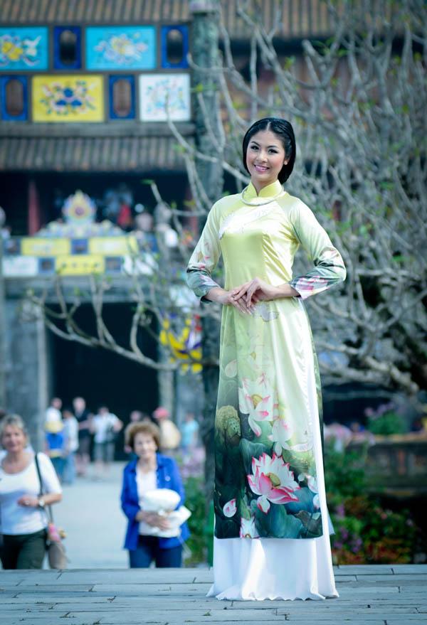 Hoa hậu Ngọc Hân đẹp nhất khi mặc áo dài-5