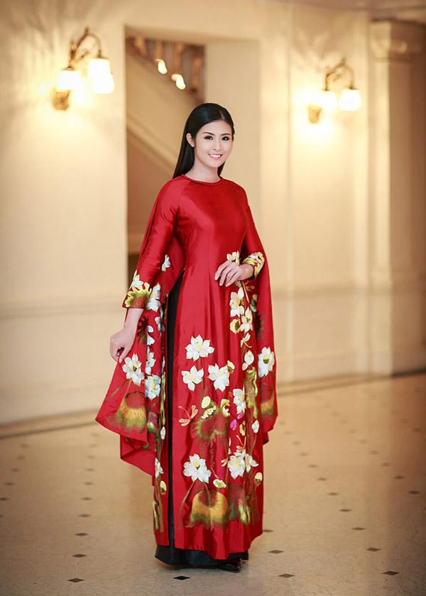 Hoa hậu Ngọc Hân đẹp nhất khi mặc áo dài-6
