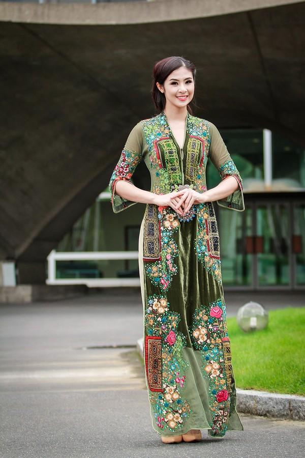 Hoa hậu Ngọc Hân đẹp nhất khi mặc áo dài-11