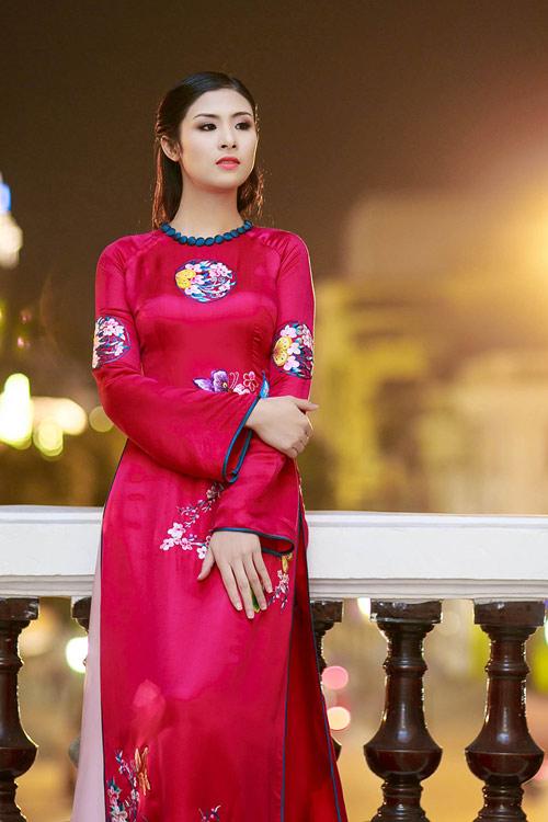 Hoa hậu Ngọc Hân đẹp nhất khi mặc áo dài-1