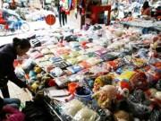 """Mua sắm - Giá cả - Mũ len Trung Quốc gây ù tai """"biến mất"""" khỏi thị trường"""