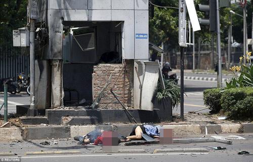 Hiện trường 7 vụ nổ rung chuyển trung tâm thủ đô Indonesia - 2