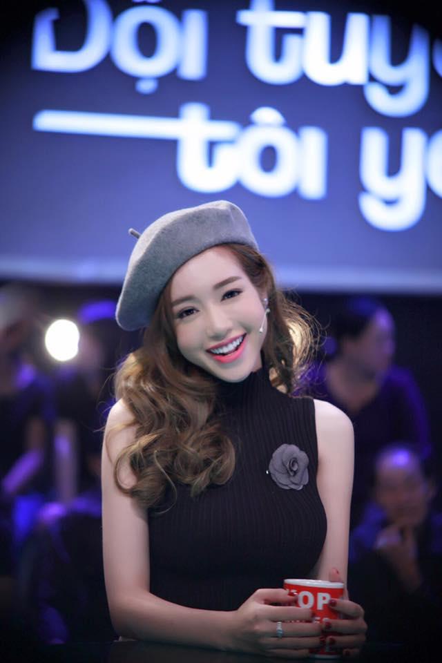 """Elly Trần khiến fan """"sốc"""" vì trẻ như thiếu nữ 18-1"""