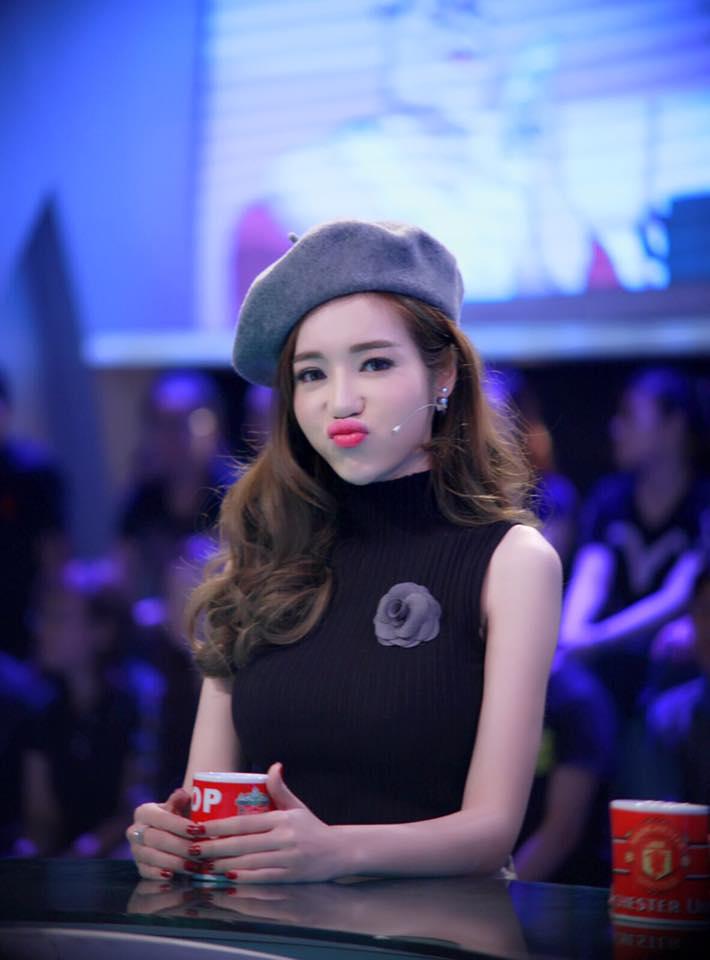 """Elly Trần khiến fan """"sốc"""" vì trẻ như thiếu nữ 18-2"""