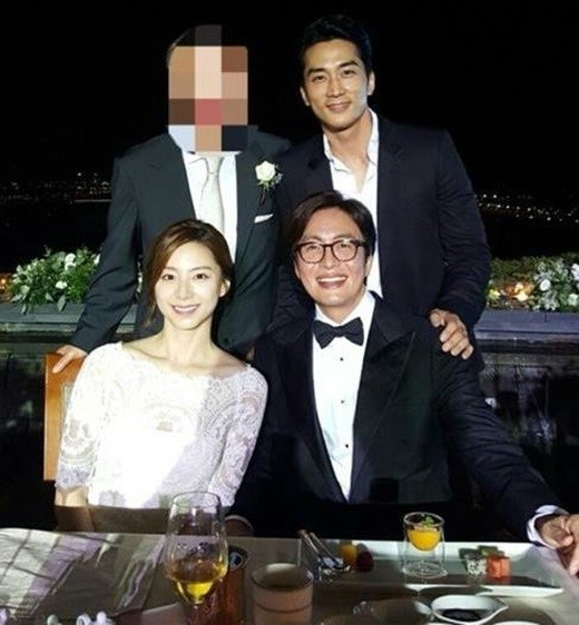 Bà xã Bae Yong Joon lên tiếng về chuyện có bầu-2