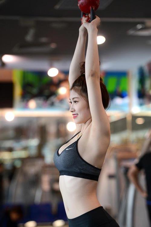 ngam 'nu than phong gym' co than hinh chuan nhu tac - 2