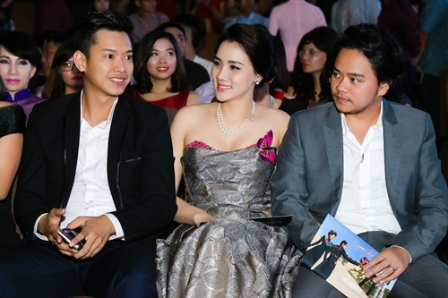 Chồng đại gia tháp tùng Trang Nhung đi sự kiện trước đám cưới-10