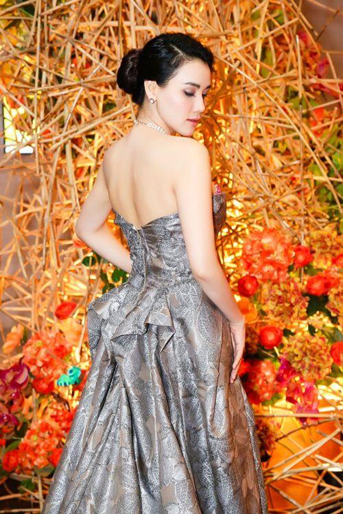 Chồng đại gia tháp tùng Trang Nhung đi sự kiện trước đám cưới-6