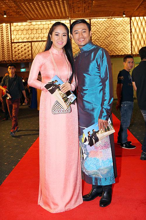 le phuong - quy binh chia tay nhung van sanh doi di tiec - 1