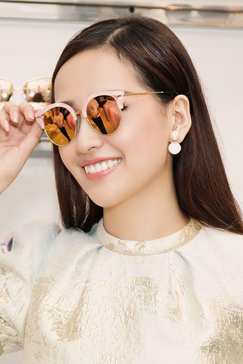 HH Mai Phương Thúy trẻ trung đi mua sắm ngày cuối tuần-6