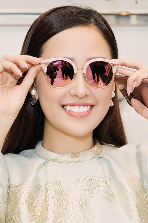 HH Mai Phương Thúy trẻ trung đi mua sắm ngày cuối tuần-7