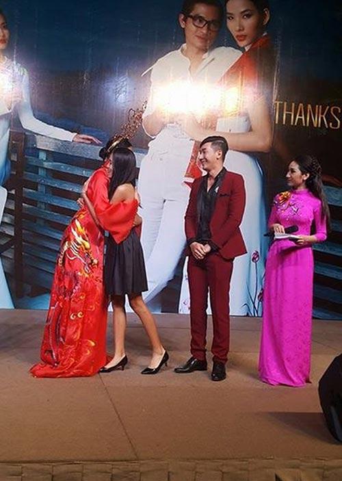Nam Phong gây sốc khi mua áo dài 300 triệu-8