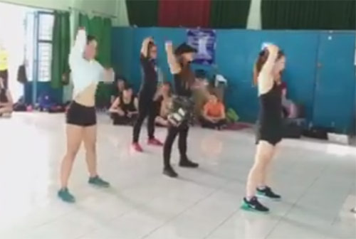Bất ngờ với khả năng nhảy điêu luyện của Hương Tràm-1