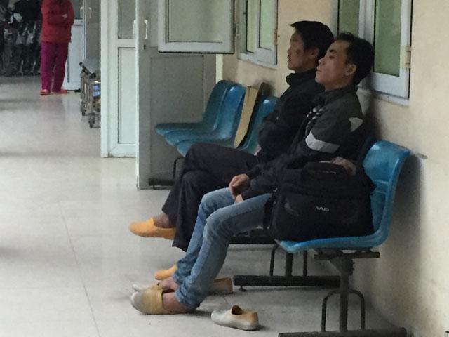anh: nguoi dan venezuela xep hang dai cho mua thuc pham - 18