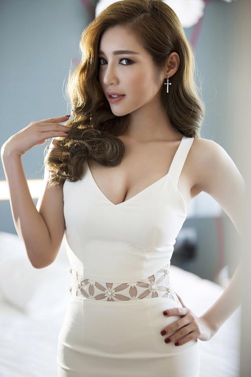 elly tran khoe duong cong dang ghen ti chi 1 thang sau sinh - 10