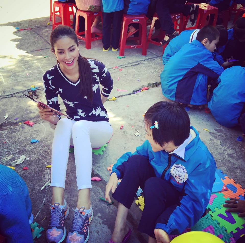 dien giay the thao chat nhu ha tang, pham huong - 11