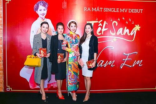"nam em khang dinh khong phai ""chan dai"" lan san ca hat - 1"