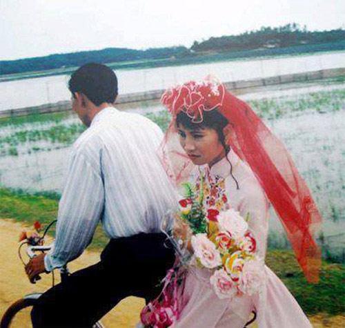 xon xao man ruoc dau 'dai gia va hot girl' tu nam 1981 - 5