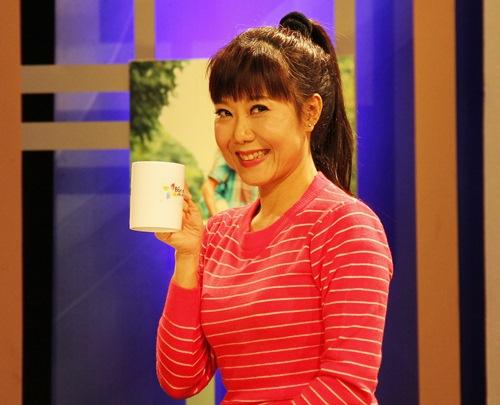"""nghe si huong """"tuoi"""": khong phuc neu chong chi biet nem tien ve - 1"""