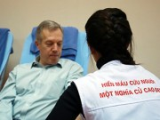 Y tế - Ngài đại sứ Mỹ tham gia hiến máu tại Hà Nội