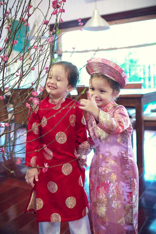 tom - tep nha hong nhung xinh xan dien ao dai duc hung - 8