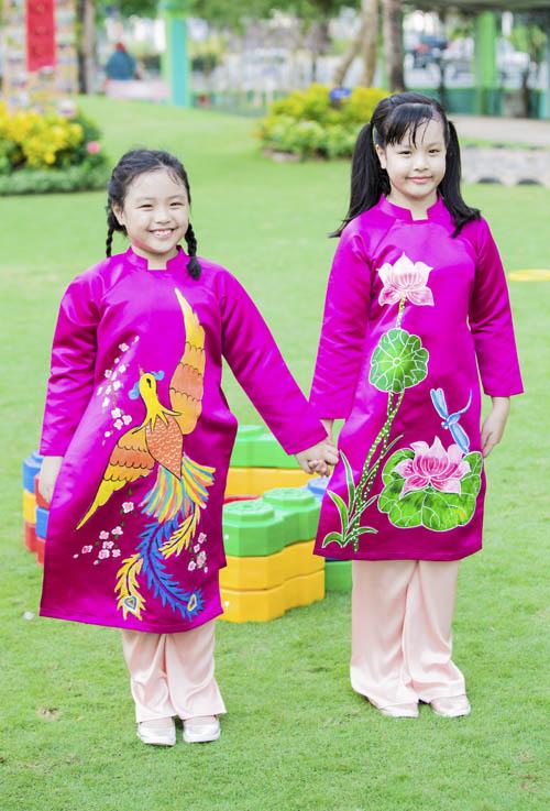 xuan lan, thuy hanh, than thuy ha sac so ao dai ben cac con - 12