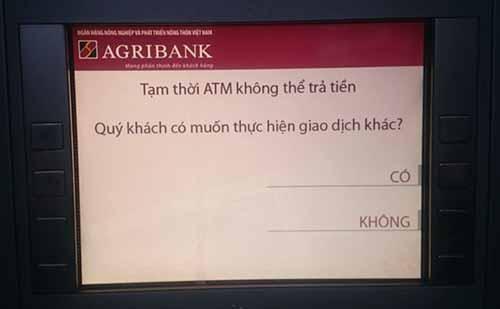 """hang loat may atm """"lan ra om"""" dip can tet - 3"""