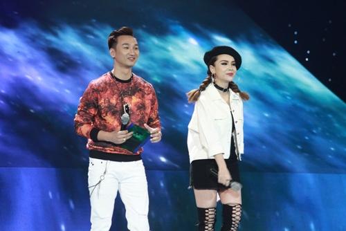 the remix 2016: maya gay xuc dong khi hat tang con gai 1 tuoi - 1