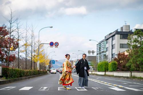 Cặp đôi tỏ tình trên đất Nhật ngay lần đầu gặp mặt-11