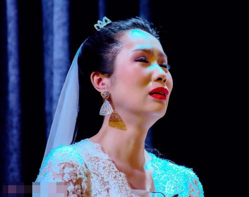 trinh kim chi khoc sung mat vi kich dong tinh - 6