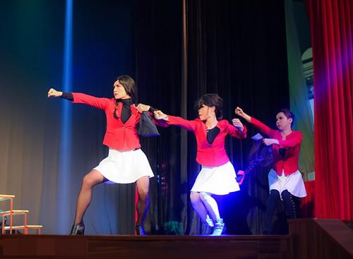 trinh kim chi khoc sung mat vi kich dong tinh - 13